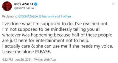 Iggy Azalea sets record straight on Twitter about why she hasn't spoken out about Britney Spears.