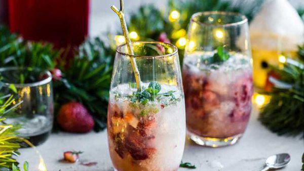 Festive gin smash