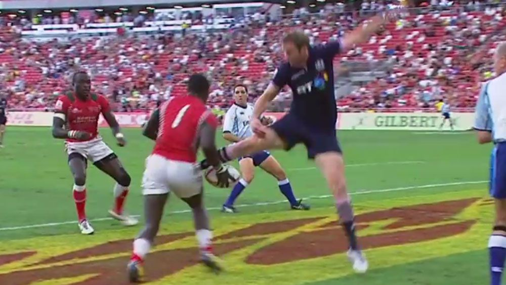 Kenyan Sevens players blows certain try