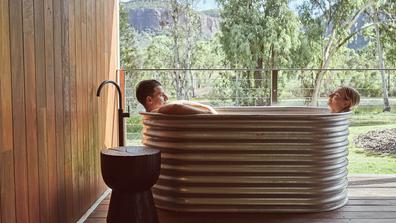 Mt Mulligan Lodge suite outdoor bath