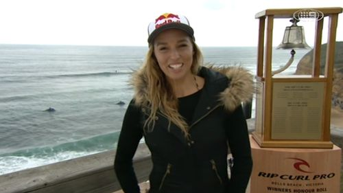 Surfing star Sally Fitzgibbons wins second-straight Fiji Pro