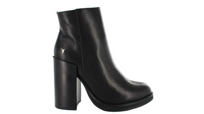"<a href=""https://www.wantedshoes.com.au/boots/hassi?sku=117000101""> Hassi Ankle Boot, $189.95, Windsor Smith </a>"