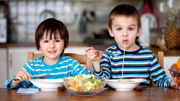 Five things parents can do to improve their children's eating patterns -  9Coach