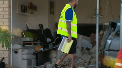 The SES is trying to secure the structure. (9NEWS)