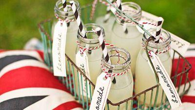 "<a href=""http://kitchen.nine.com.au/2016/05/13/12/35/easy-homemade-lemonade"" target=""_top"">Easy homemade lemonade</a>"