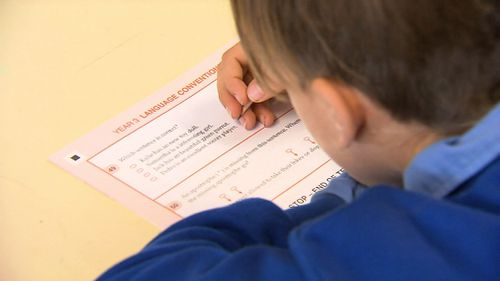 Queensland teachers are calling for school holiday dates to change to avoid children sitting in non-air conditioned classrooms during the hottest part of the year.