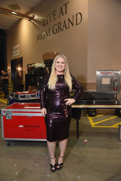 Singer Kelly Clarkson in Tom Ford