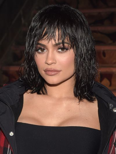 Kylie wears a wet-look bob to fashion week