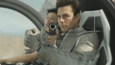 Exclusive: Watch Tom Cruise take on the world with ed-<i>Bond</i> babe in <i>Oblivion</i> trailer debut