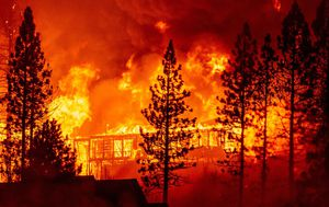 Scores dead, missing as US West Coast fires continue to rage