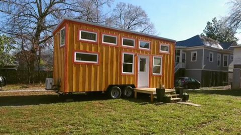 Watch Tiny House Big Living Season Catch Up TV - Couple takes tiny house big adventure