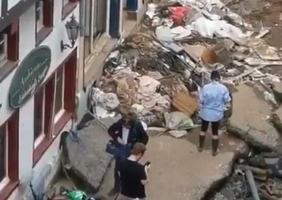 Susanna Ohlen German TV reporter floods