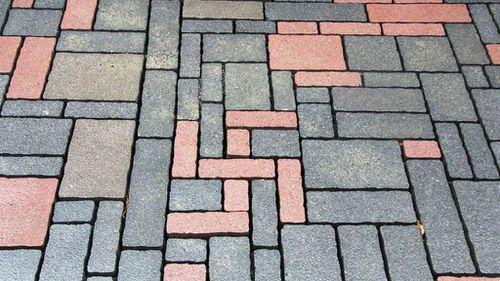 German builders 'accidentally' lay swastika shape into brick walkway