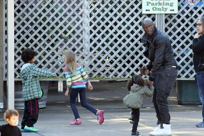"<br/>Seal and the kids seemed to be having a ball at the popular wildlife park in the western Sydney suburb of Doonside.<br/><br/><b><a target=""_blank"" href=""http://www.thevoice.com.au"">Click here for the latest <i>Voice</i> updates</a></b>"