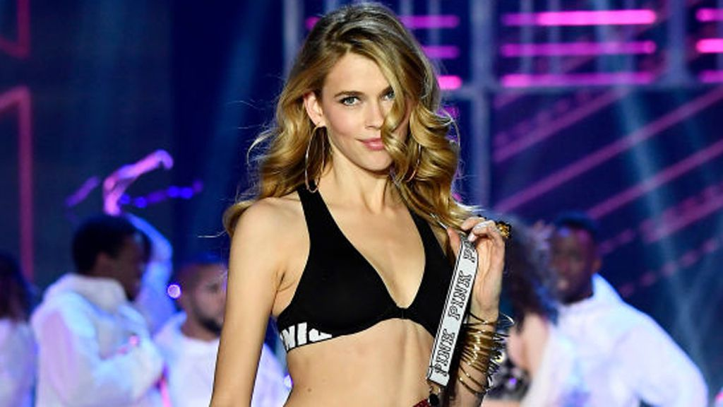 Victoria Lee on the Victoria's Secret runway. Image: Getty