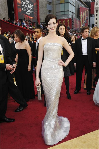 Anne Hathaway in Amrani Prive at the 2009 Oscars.