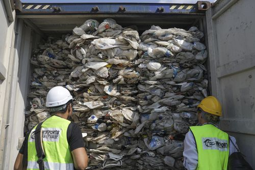 Malaysia will ship 450 metric tons of contaminated plastic waste back to the countries of origin said Yeo Bee Yin today on 28 May. The waste came from Australia, US, Canada, Saudi Arabia, Japan, China, Spain and Bangladesh.