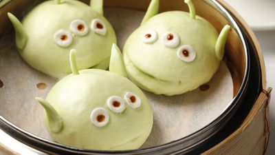 Little green men pork and vegetable buns, Crystal Lotus, Hong Kong Disneyland