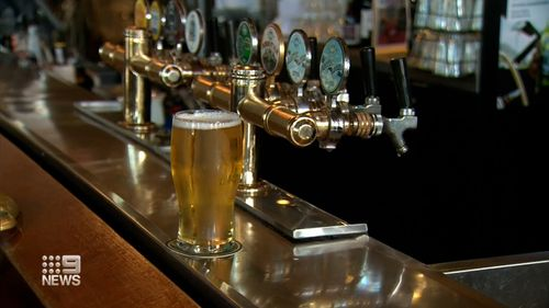 Perth Windsor Hotel free beer for vaccine