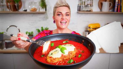 Jane de Graaff cooks controversial and ultimate one-pan chicken parmigiana