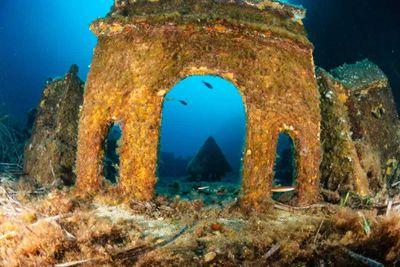 <strong>L'Enfant et la Sirène's Underwater Village in France</strong>