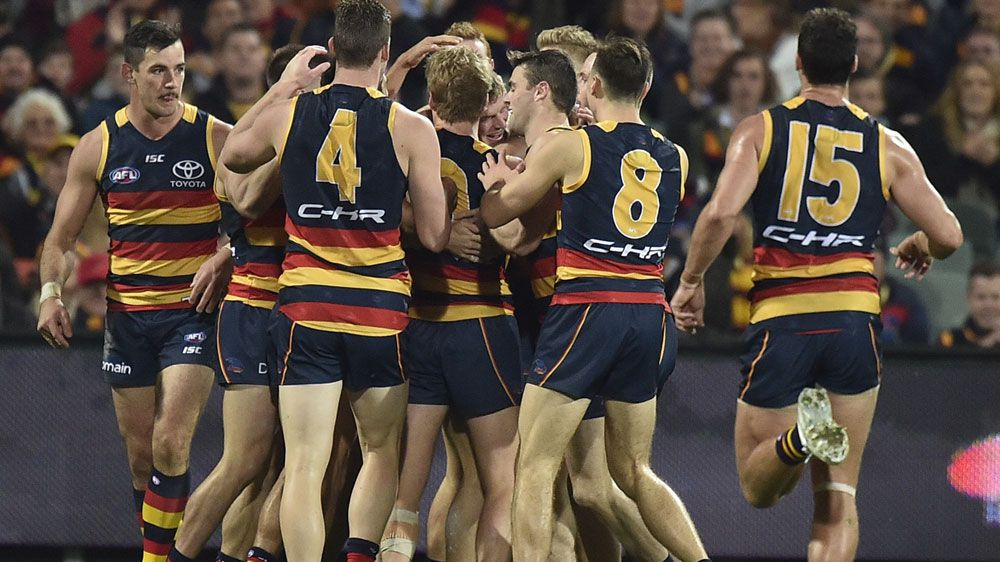 Crows thump Saints to reclaim AFL top spot
