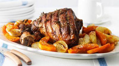 "Recipe:&nbsp;<a href=""http://kitchen.nine.com.au/2016/05/16/17/50/roast-lamb"" target=""_top"">Roast lamb</a>"