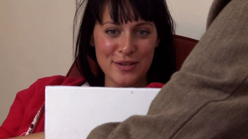 Jessica Falkholt is an actor with a series of prominent roles to her name. (9NEWS)