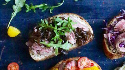 "<a href=""http://kitchen.nine.com.au/2016/09/19/13/31/open-steak-sandwich-with-aioli-rocket-and-caramelised-onion"" target=""_top"">Open steak sandwich with aioli, rocket and caramelised onion<br /> </a>"