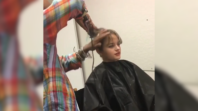 Actress Joey King says a plane passenger thought she had cancer, could 'catch' it from her