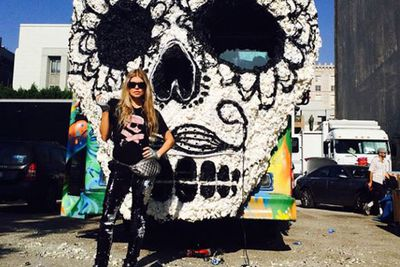 @fergie: Check out my #artcar. Video shoot day 2. See u today la! #LALOVE