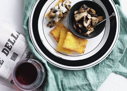 Fried polenta with mushrooms and Gorgonzola