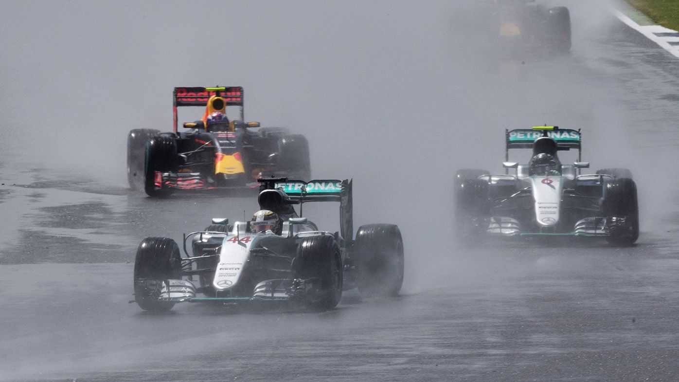 Lewis Hamilton of Mercedes AMG GP leads the pack during the 2016 Formula One Grand Prix of Great Britain at Silverstone. (AAP)