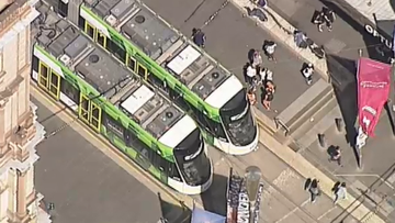 Trams resume after power fault hits lines in Melbourne's CBD