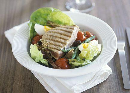 Tuna and artichoke salad nicoise