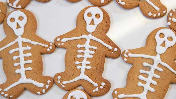 Skeleton gingerbread