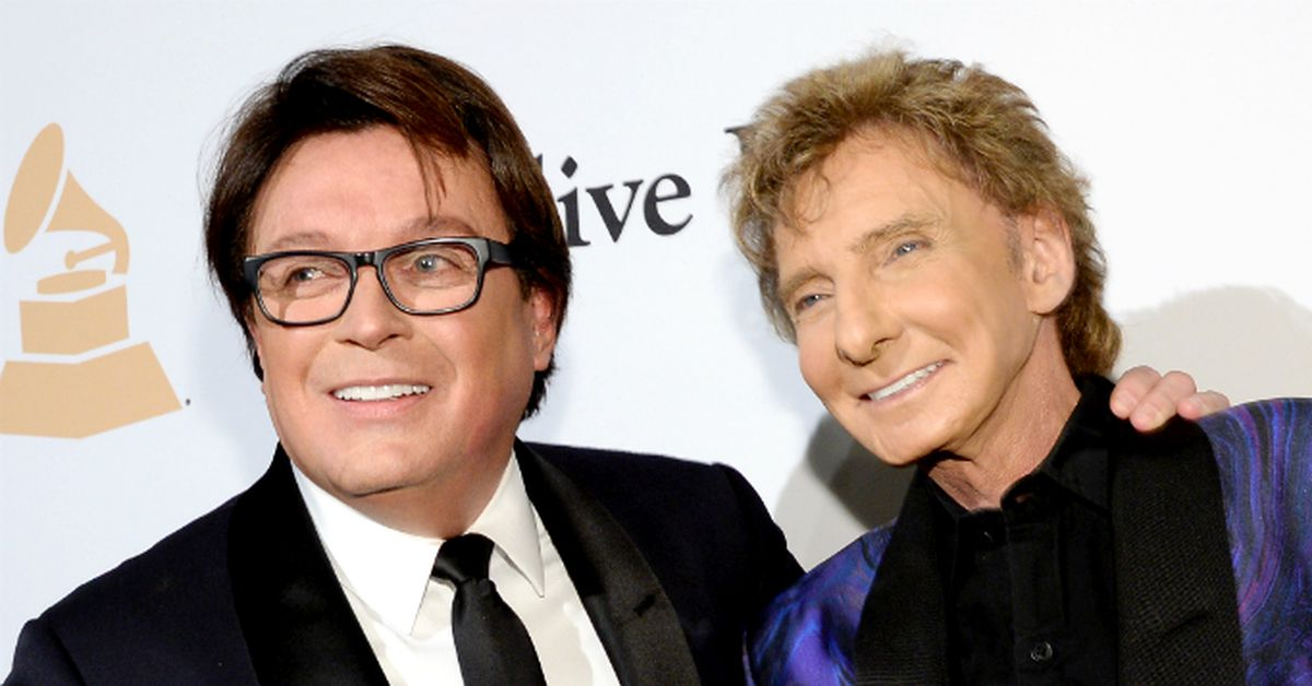 Barry manilow concealed his homosexuality for decades fearing that fans would be disappointed