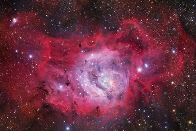 <strong>M8: Lagoon Nebula by Ivan Eder</strong>