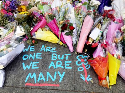 Sydney pays tribute to victims