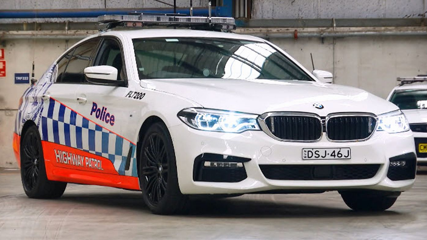 NSW Police to replace Falcon and Commodore cars with Chryslers and BMWs