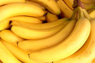 Bananas: 27mg per 100g