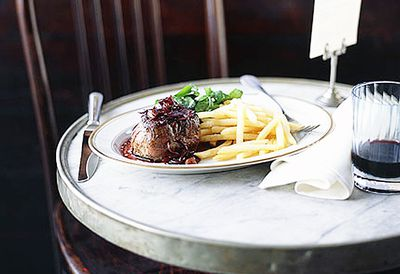 """Recipe: <a href=""""/recipes/other/8299354/steak-with-bordelaise-sauce-shoestring-fries-and-watercress-salad"""" target=""""_top"""">Steak with bordelaise sauce</a>"""