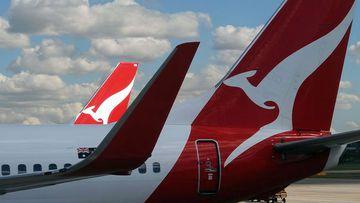 Qantas logo plane