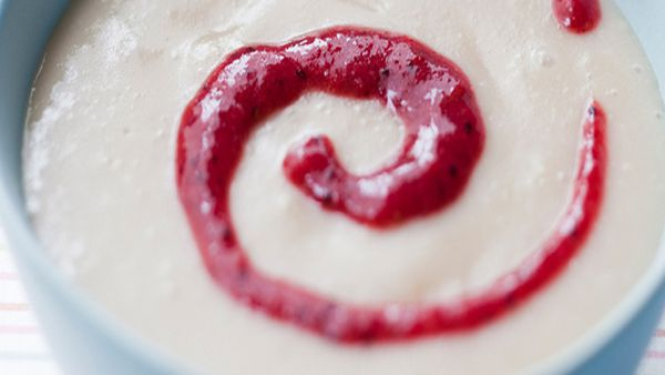 Mixed fruit puree with blueberry sauce