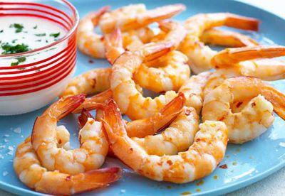 """Recipe: <a href=""""/recipes/iprawn/8349090/chilli-salt-prawns"""" target=""""_top"""">Chilli salt prawns</a>"""