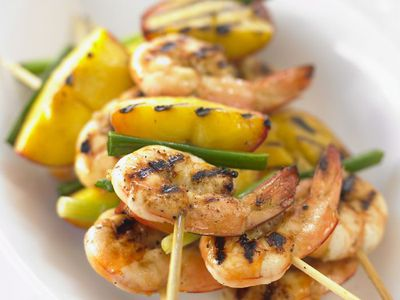 "<a href=""http://kitchen.nine.com.au/2016/05/17/23/28/prawn-and-peach-kebabs"" target=""_top"">Prawn and peach kebabs<br> </a>"