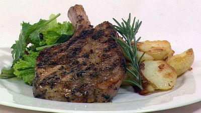 "Recipe:&nbsp;<a href=""http://kitchen.nine.com.au/2016/05/19/16/46/pork-cutlet-with-fennel-orange-rosemary"" target=""_top"" draggable=""false"">Pork cutlet with fennel, orange &amp; rosemary</a>"