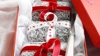 "<a href=""http://kitchen.nine.com.au/2016/05/16/19/39/decadent-chocolate-hazelnut-christmas-logs"" target=""_top"" draggable=""false"">Decadent chocolate hazelnut Christmas logs</a>"