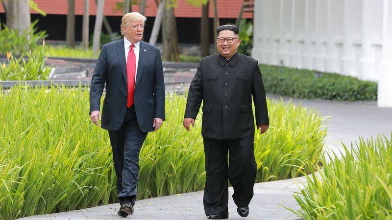 Mengenal Kim Jong-un dari Gaya, Sepatu, dan Potongan Rambutnya