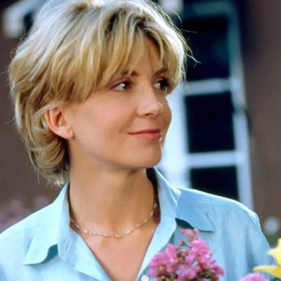 Natasha Richardson as Elizabeth James: Then